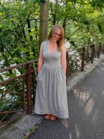 https://justkeepsewing.net/2014/06/23/dotted-out-and-about-dress/